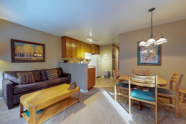 Ski-in/ski-out, dog-friendly condo w/ shared hot tub & sauna, great location