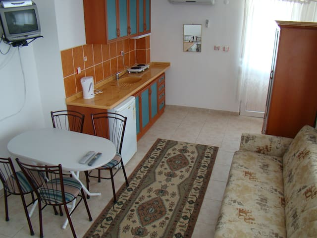 Private Apartment in Altınkum with Swimming Pool