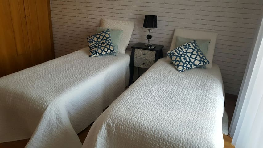 Porto airport double bed or twin bedroom