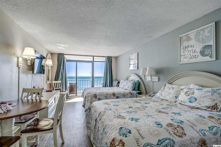 Resort Oceanfront Studio! Gorgeous views! *2Beds*
