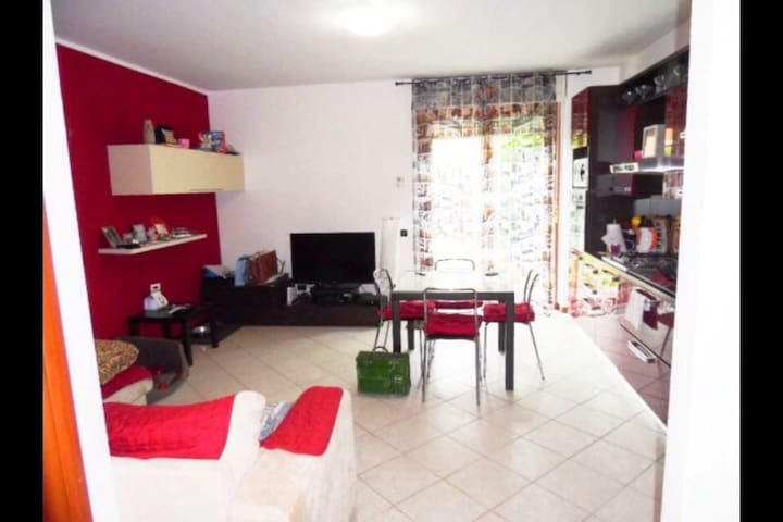 """ your place"" - two rooms flat with garden - Seriate - Apartment"