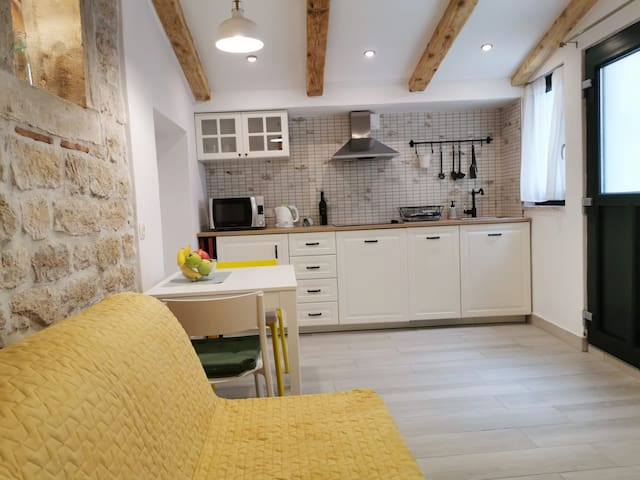 Studio apartment DEA in the heart of the old city