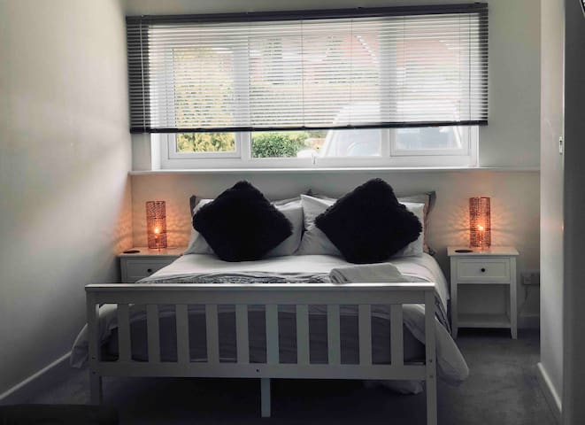 LUXURY Private Studio With En Suite - Exmouth