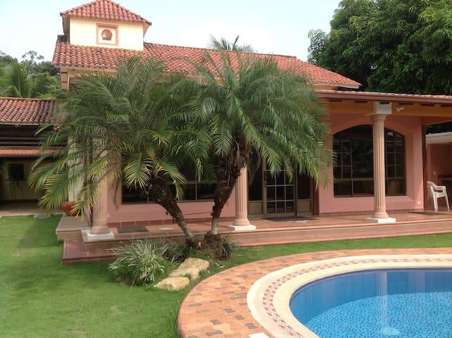 Un descanso inolvidable - Melgar - Rumah liburan