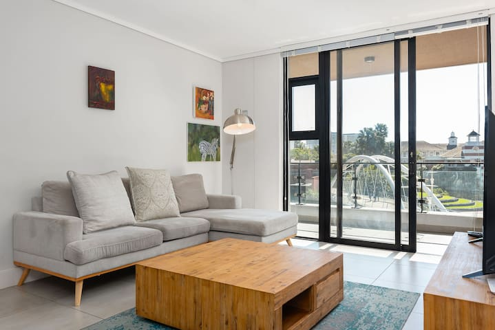 Waters Edge 101 - Two Bedroom Apartment