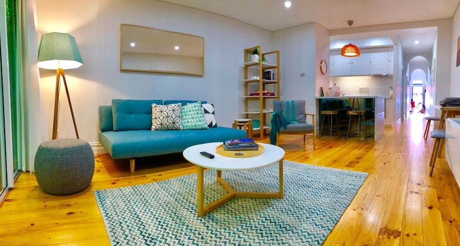 Stylish & Bright Home in Adelaide CBD