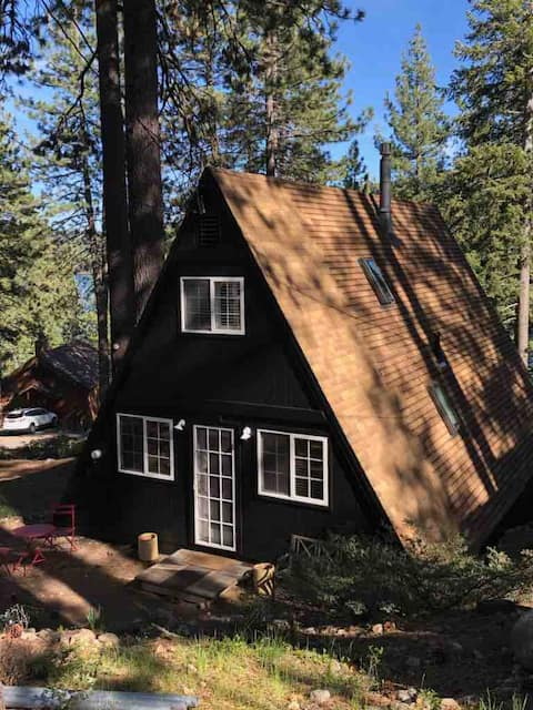 The perfect Donner Lake retreat!