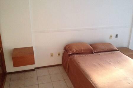 Apartamento localizado no circuito Barra-Ondina - Salvador - Apartment
