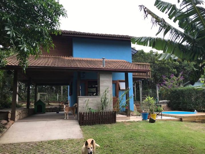 Casa na lagoa de Ibiraquera, lugar paradisíaco.