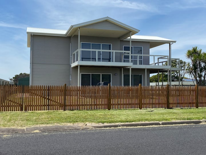 Fully contained modern 2 storey beach home