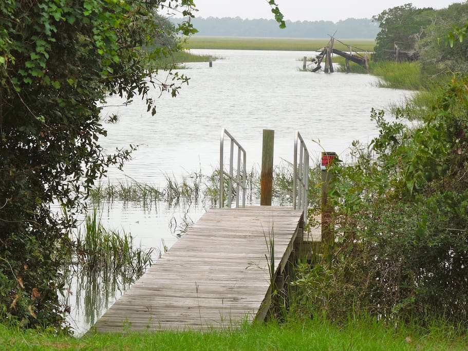 River Access at High Tide from Dock