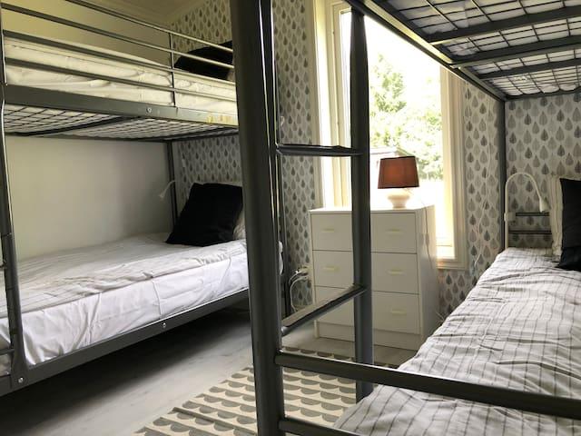 Second bedroom sleeps four