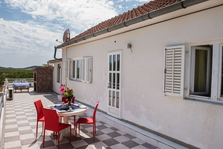 HOLIDAY HOME OLIVEN PANORAMA - VODICE-CISTA VELIKA