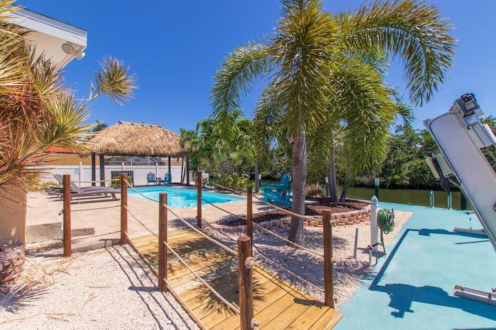 Awesome Waterfront Home /Pool/150 dock/Steps Beach