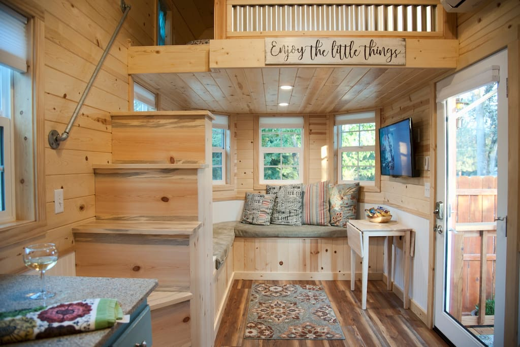 tiny luxury near yosemitea v tiny houses for rent in ahwahnee california united states. Black Bedroom Furniture Sets. Home Design Ideas