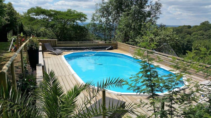 Grange rénovée avec piscine à la campagne au calme - Voutezac - Hus