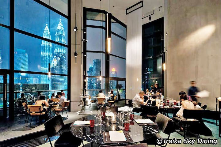 2-6pax Troika KLCC - Rooftop Sky Dinning