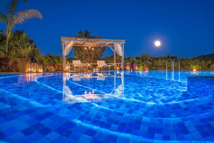 Chania Secluded Retreat - Kallithea Luxury Villa