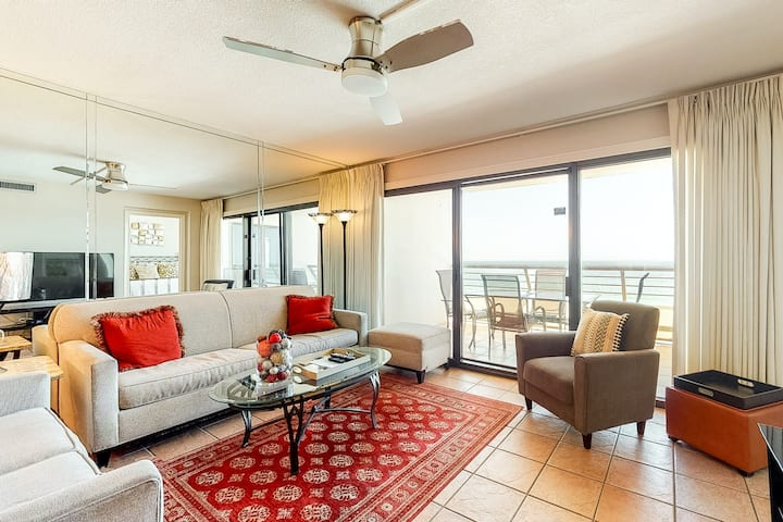 9th Floor Lovely Condo! Great Amenities, Gulf View, Large Balcony!