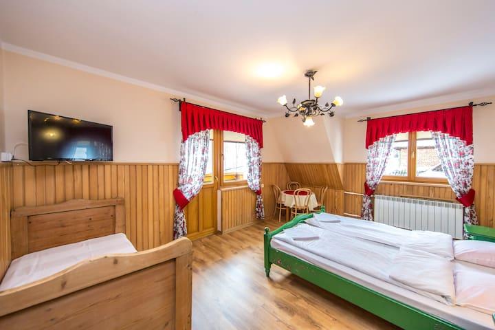 Pokój pięcioosobowy w Białym Dunajcu   Moje Tatry - Biały Dunajec - Vila