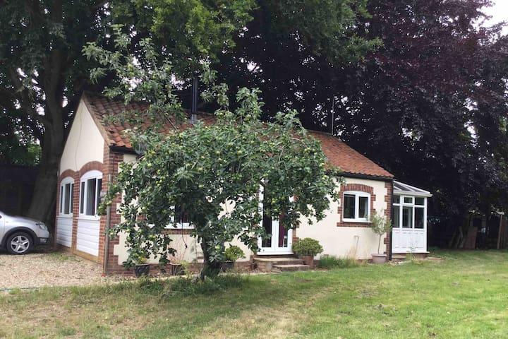 Beautiful, Clean ,Restful and Relaxing Rural Annex