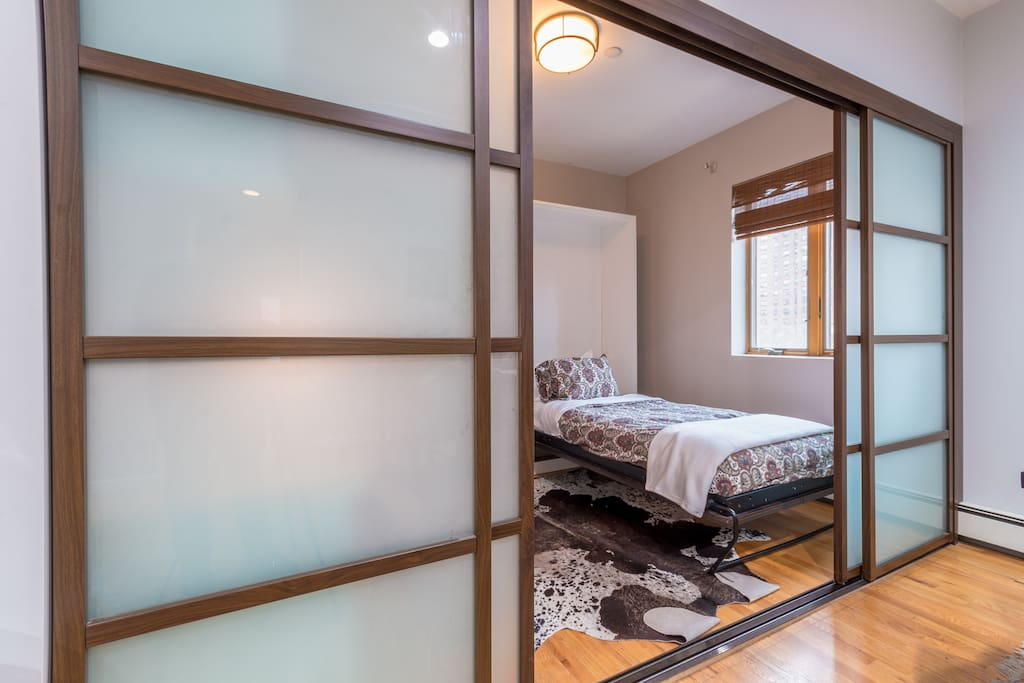 VIEW TO CHIC SINGLE ROOM WITH SHOJI SCREEN DOORS