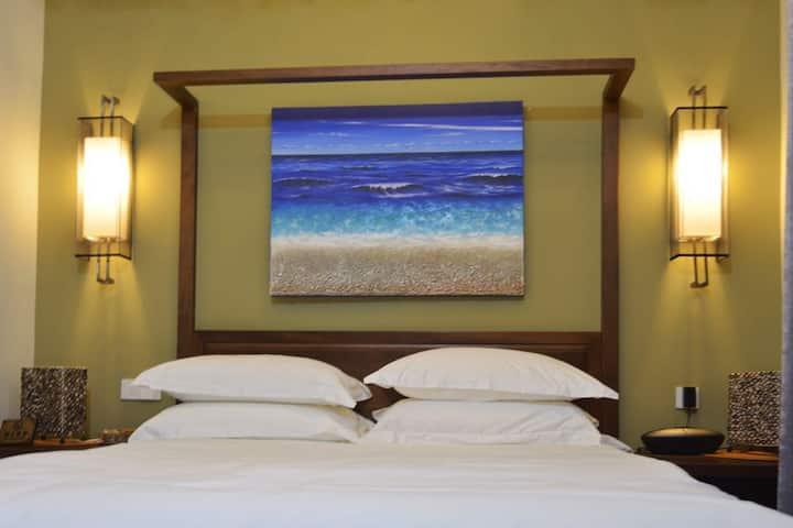 SeaFun Villa#103 Standard Queen Bed (Shared Villa)