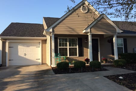 Masters Retreat: 2.5 bed, 2 bath - Grovetown - Sorház