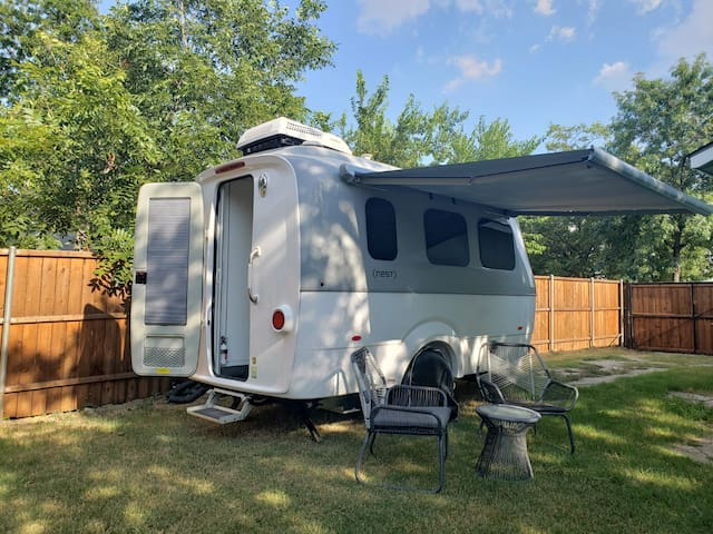 ONLY Airstream NEST in Dallas! Modern Adventure