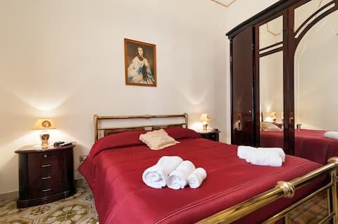 Dimora:4 bedrooms/2 bath/FREE PARKING, FREE WIFI