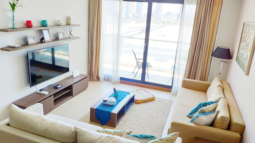 Luxury Seef Apt Directly Opposite City Center Mall
