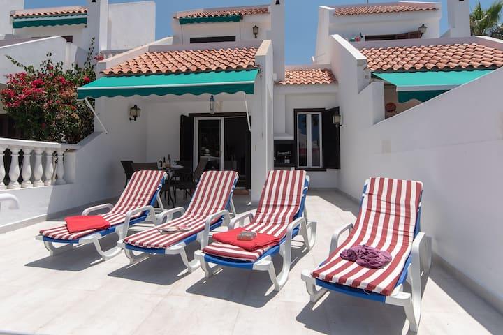 Villa Tegueste. 2 bedroom. private heated pool