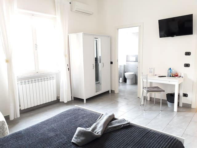 Affittacamere Delfo - Low cost rooms Pisa