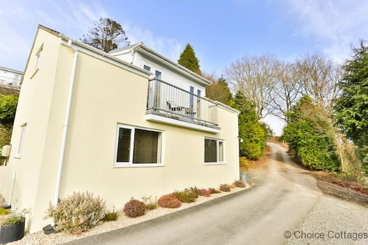 WINDERMERE LODGE | 2 Bedrooms - High Bickington - Hus