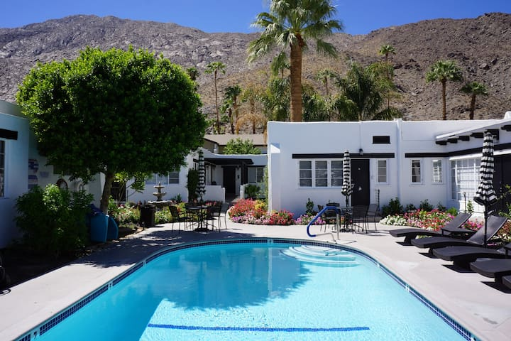 Palm Springs Holiday Rentals Condo Rentals Airbnb California United States Holiday Homes