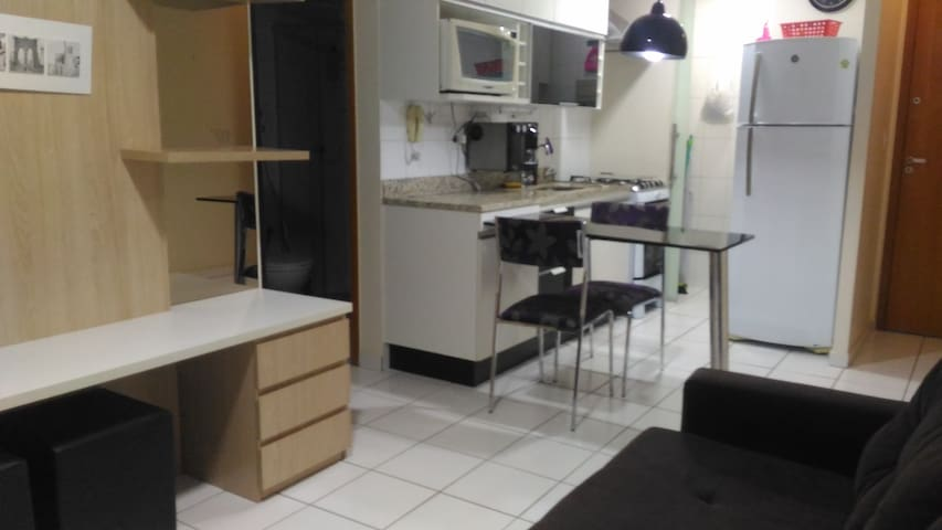 Completo, aconchegante e bem localizado - Brasília - Apartamento