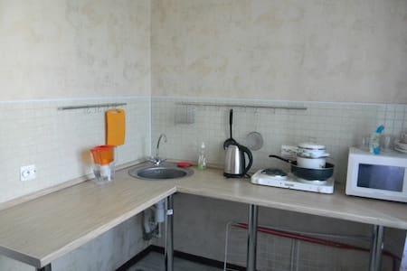 Ул. Ноградская, 17 - Novokuznetsk - Lägenhet
