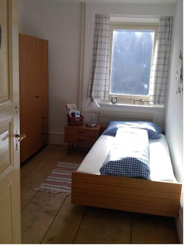 Budget Einzelzimmer (15)mit Gemeinschaftsbad