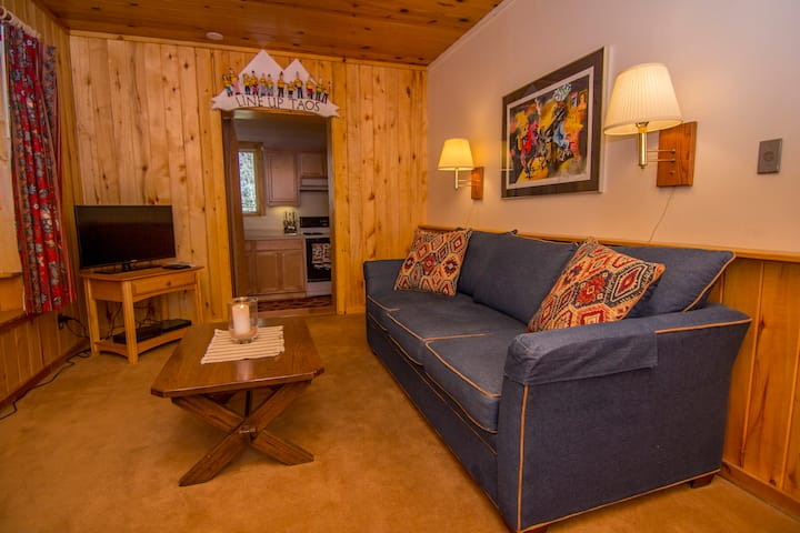 Brownell Chalet Apartment