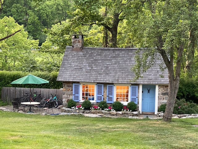 The Cottage at Sycamore Hill Farm