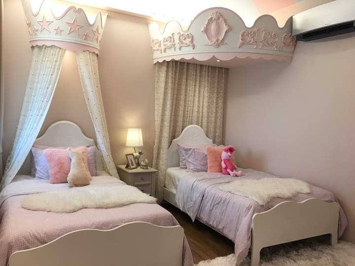 Princess Room/Fairy Tale style/2beds