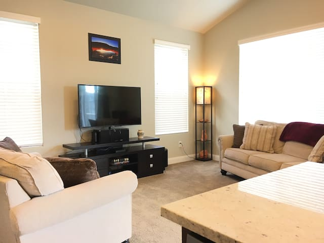 2 Rooms in IMMACULATE Home with IntelliBeds!