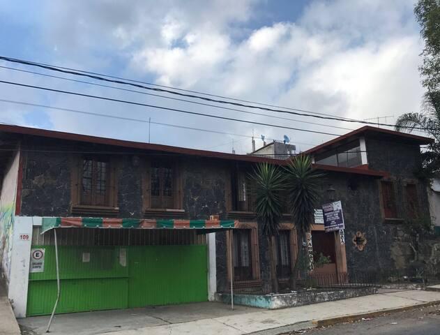 Habitación en perfecta ubicación