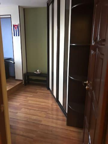 Комната в 3ке с хорошим ремонтом/Private room