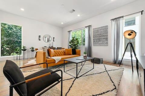 Jurny   Bishop Arts District   Touchless 2bd Apartment