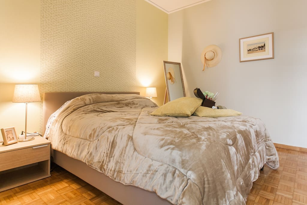 ''The apartment room is nice, clean, comfortable and well presented.''Ivy*****