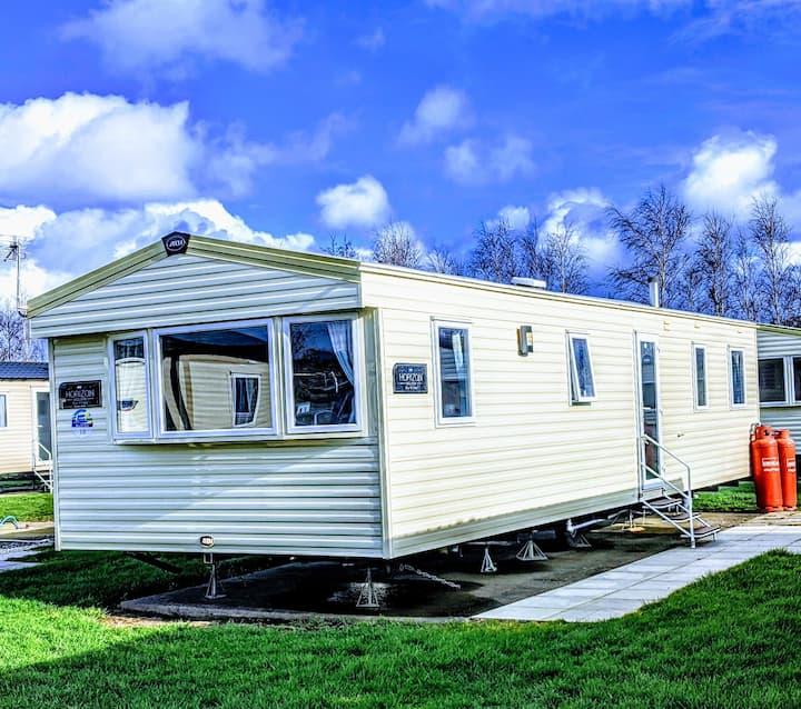 Deluxe caravan for hire in Burnham-on-Sea