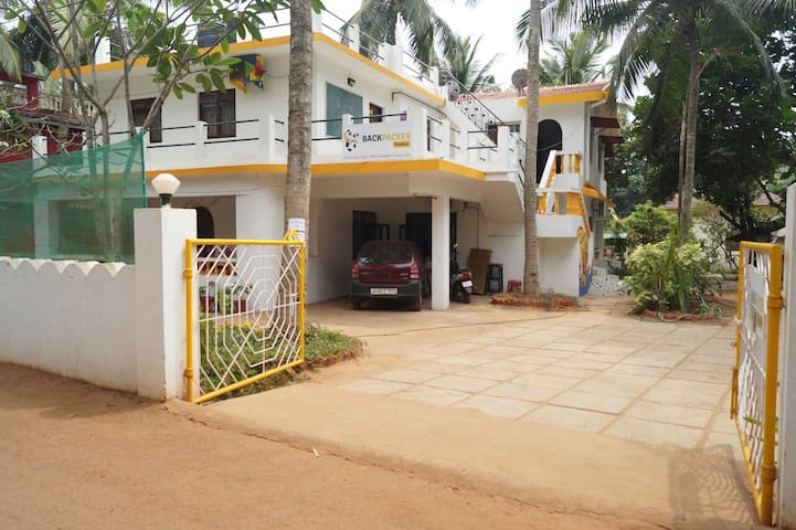 BPP Goa-A/C-6 Bed Female Dorm