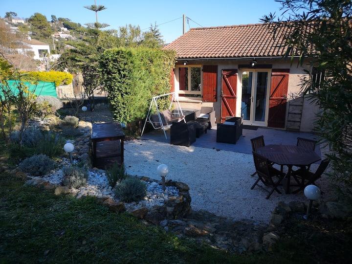 Jolie petite Maison de Charme dans quartier boisé