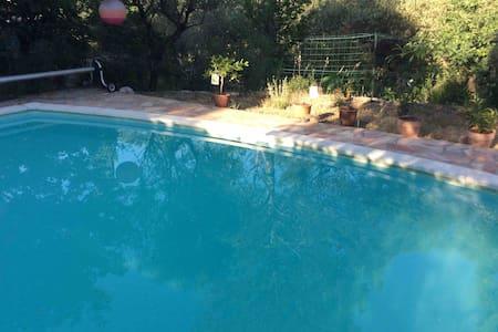 L'Escapade et sa piscine